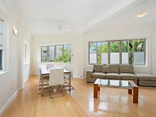 LAVENDER BAY - Waiwera St (3bedroom), McMahons Point
