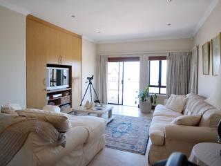 Waters Villa, Bloubergstrand