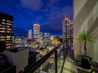 Stunning Spacious Three Bedroom Penthouse Apartment in the Heritage City Life Hotel located in the Centre of Auckland