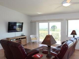 Beautiful 4 Bedroom, Ocean Front, 60' Flat Screens, Palm Coast