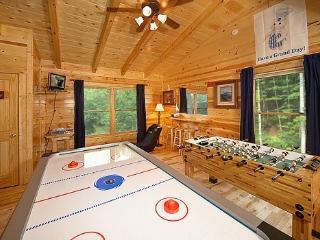 Lofted Game Room at Brownie Bear