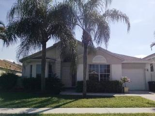 BEAUTIFUL 3 BEDROOM HOME IN LAKESIDE COMMUNITY, Boca Raton