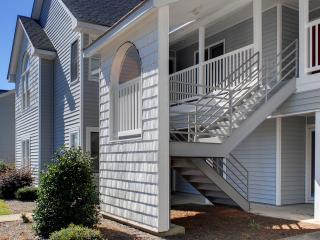 Perfect 2 Bedroom Condo-Book 7 nights-Great Deals!, Greenville