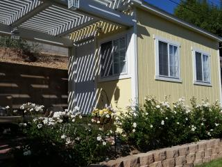 Charming and Private Cottage #2, La Habra
