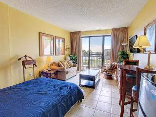 Pirates Bay A205-Studio-AVAIL6/26-7/2 - RealJOY Fun Pass- 2 Nt. Stays*BoatSlipsAvail, Fort Walton Beach