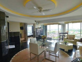 2 bed luxus condo nice view over Chiang Mai