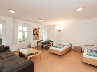 3-Rooms Apartment B2, Berlín