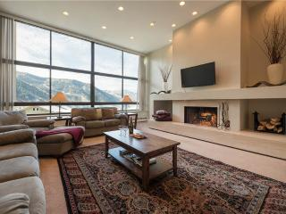 Magnificent Townhouse with views of Snowbird | T1B