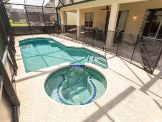 Luxury 8 Bedroom Pool/Spa Resort Villa Near Disney