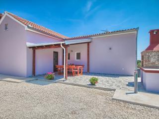 Holiday house 'Nina & Tea', Valtura