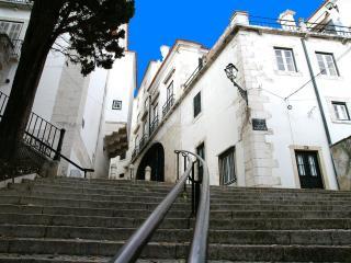 ESTEVAO I - Alfama for 3 !, Lisbon
