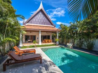 Private Villa with Pool and Garden -No Overlooking, Rawai