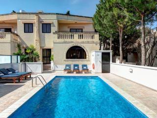 Semi-Detached 3 Bedroom Villa, Mellieha