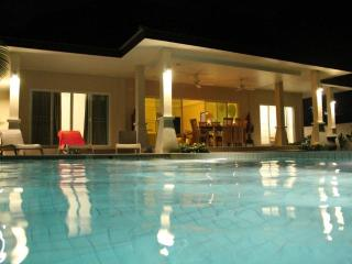 2BR private pool villa&garden in Rawai