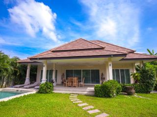 3 Bedrooms Private Pool Villa w/ Garden in Rawai - Pacotte