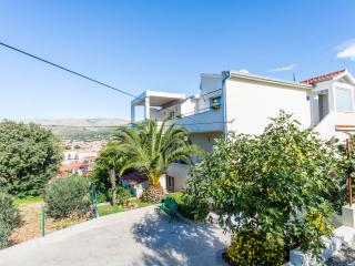 Lea apartment 5 min from Trogir center