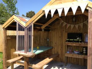 Private kitchen alongside your Bell Tent with BBQ, Gas Hob even marshmallows & teabags provided!