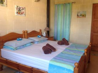 St Agnes Bed and Breakfast, Xaghra, Twin Room