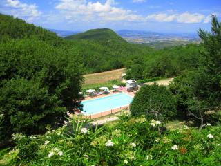 Villa Marianna:APT C, 7 miles to Spoleto centre