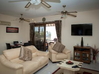 Luxury apartment 5 mins  to Tomb of Kings Road, Paphos