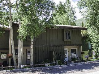 Ptarmigan #22 - lovely 3 bed + loft townhome in West Vail