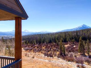 2 BR/2.5 BA, Great views, pirvate hot tub, sleeps 6, private hot tub, pet friendly, Silverthorne