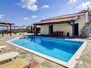 Holiday villa in Crete with private pool.
