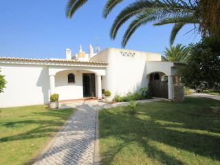 Villa Palmeira V2 350m to the beach - 018M, Porches
