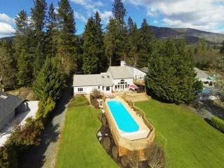 Paradise on the Rogue River, boat launch & pool!, Grants Pass