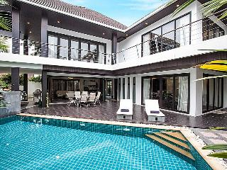 Phuket Holiday Villa 1919