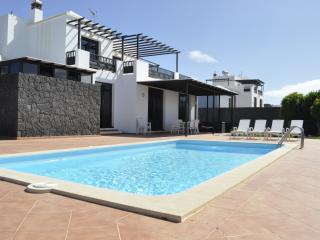 Stunning Villa with pool and garden for a total Relax, Conil