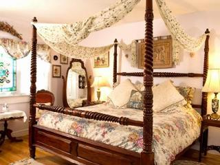 Armistead Cottage Bed and Breakfast, Newport
