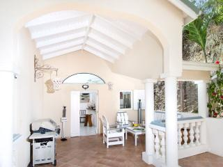 ALEXAMBRE... Lovely affordable Orient Bay 3BR  villa for family or couples