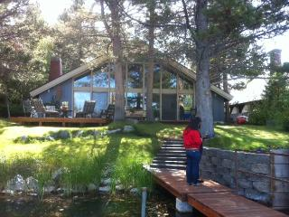Quaint Tahoe Keys House on waterway., South Lake Tahoe