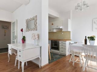 Living room, kitchen& dining room