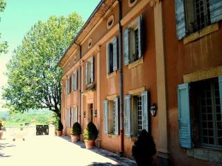 Family-Friendly Luberon Villa with Guest House - Bastide Camille, Apt
