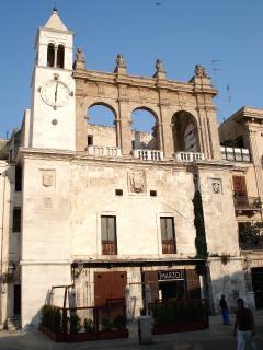 Piazza Mercadante la piazza della night life di Bari a 5 minuti a piedi da Nirvana House