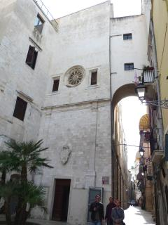 Centro storico medioevale di Bari a 3 minuti a piedi da Nirvana House
