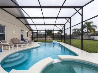 Modern South facing Villa with 26ft pool and Spa, Clermont