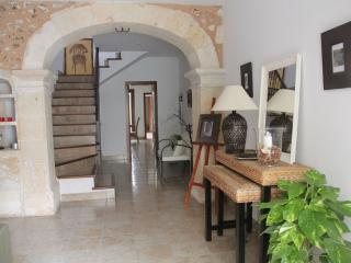 Can Puça, charming town house, air cond. , Wi FI, Sa Pobla