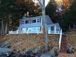 Waterfront Home Lake Winnipesaukee (ROB30W)