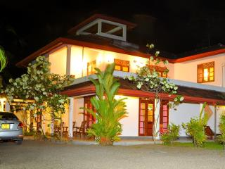 Sakuravilla luxury villa an Ayrveda, Bentota