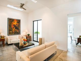 Welcome to Casa Five 8 - A Sophisticated Urban Retreat !!!!, Mérida