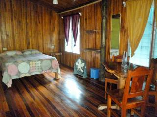 Double Private Room, 50mts from the Beach, Santa Teresa