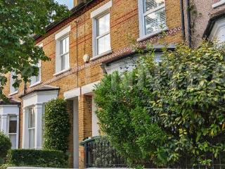 Beautiful Wimbledon house available for Wimbledon, London