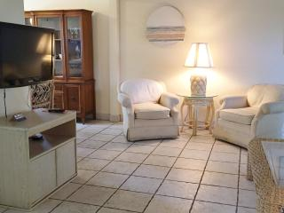 Great Deal 2 bed/2bath Condo (Unit 7), Delray Beach