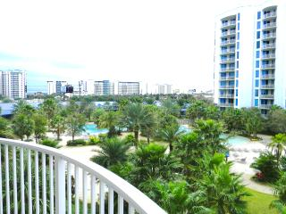 Palms Resort #1405 Jr. Ste-POOLViews-*10%OFF April1-May26*, Destin