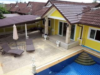 Holiday Villa with Pool - near Beach & Market, Khao Lak