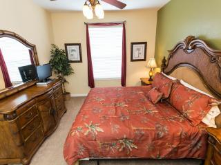 UNIQUE 3 bed condo in I-Drive area!