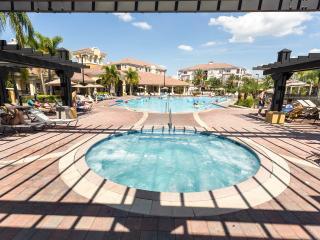 UNIQUE 3 bed condo in I-Drive area!, Orlando